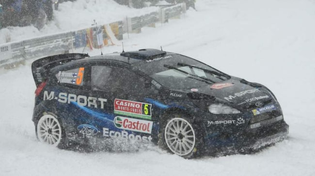 Miiko Hirvonen i sin bil.