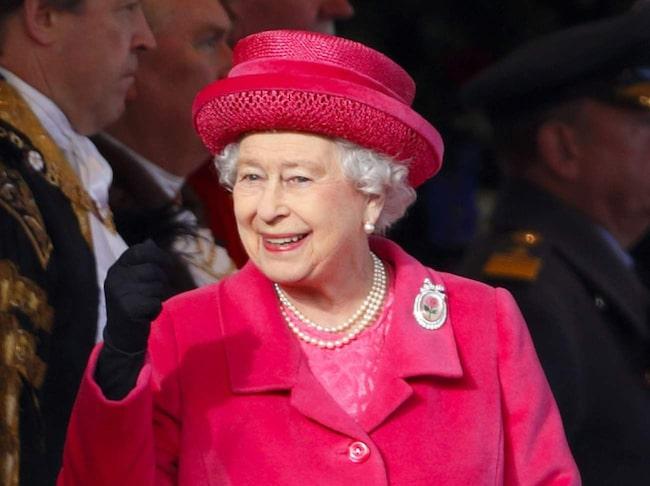 Till Windsor Castle åker drottning Elisabeth med familj för att slappa.