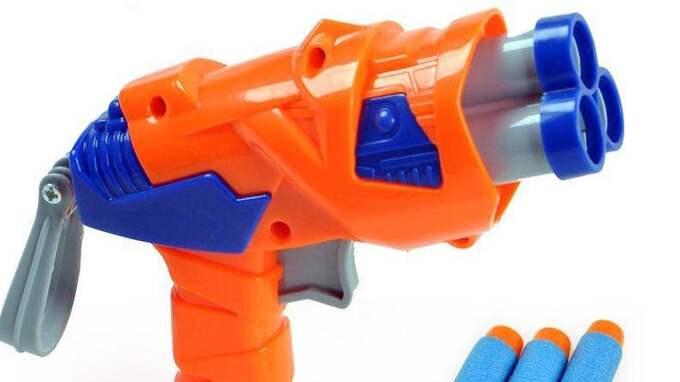 Förskolan förbjuder även vapenbygge.