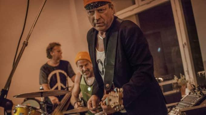Pugh Rogefeldt och hans band var kvällens överraskning. Foto: Karl Melander