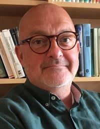 Hans Brauer, verksamhetschef på psykiatrin i Malmö, säger att patienter som söker hjälp först blir medicinskt bedömda. Sedan fattas beslut om de ska läggas in eller ej. Foto: REGION SKÅNE
