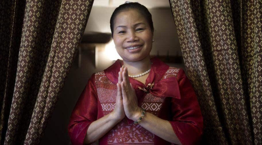 thaimassage ludvika röd korsett