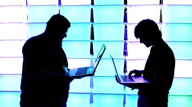 Den som inte har uppdaterat sin programvara blir sårbar för attack från någon som kommit över bilens IP-adress.