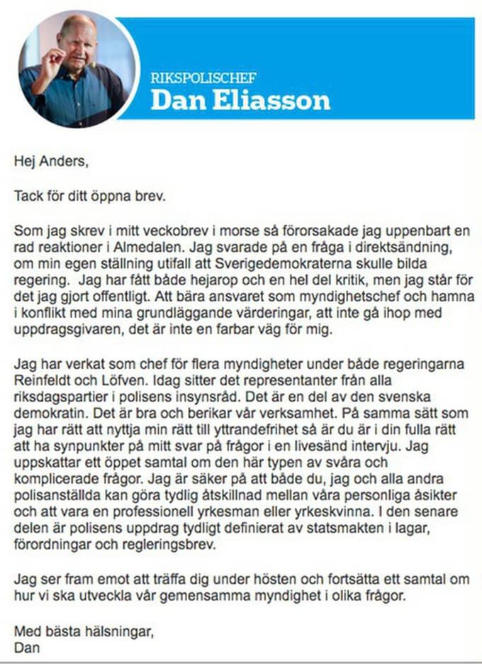 Faksimiler från Facebook och Svensk polis på de båda öppna breven. Foto: / FAKSIMIL FRÅN TIDNINGEN SVENSK POLIS