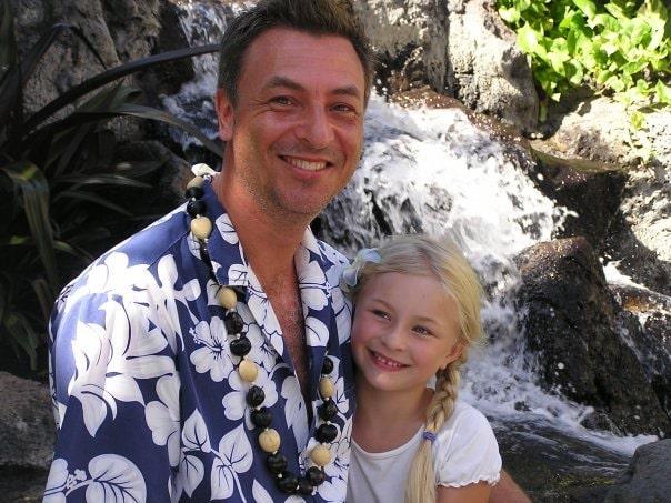 Tareq Taylor har bott på Hawaii, och hans fru har skrivit en avhandling om hawaiiansk kultur.