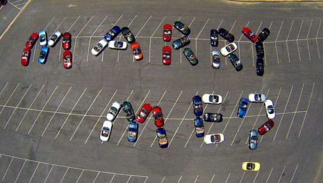 44 Mazda Miata ställer frågan.