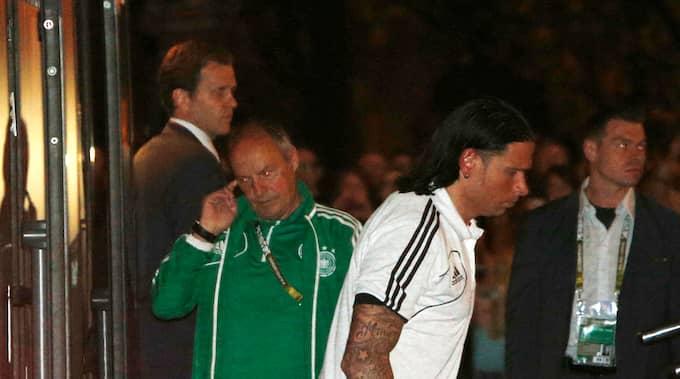 Tim Wiese efter Tysklands förlust mot Italien i EM-semifinalen 2012. Foto: CZAREK SOKOLOWSKI / AP