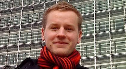 Margot Wallströms son, Viktor Wallström, just nu juniorkonsult på ett belgiskt PR-företag, vill slå ett slag för lobbyismen.