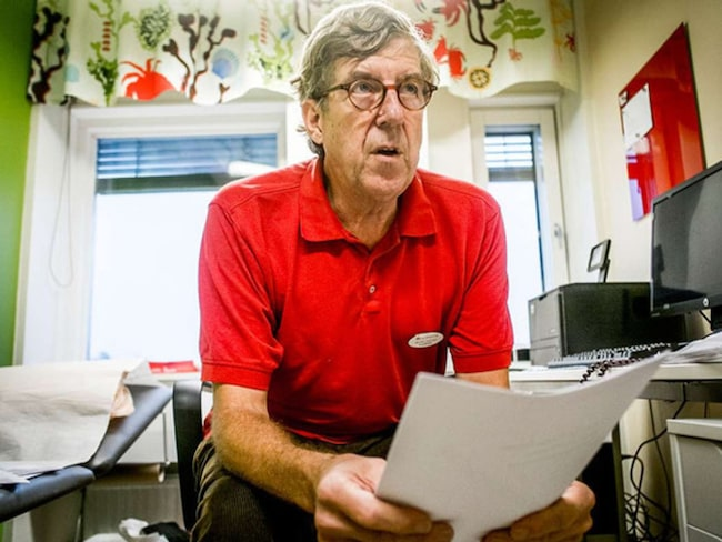 """""""Det borde finnas elektroniska system i journalen som larmar redan när läkare skriver ut läkemedel som är olämpliga till äldre"""", säger doktorn Göran Sjönell."""