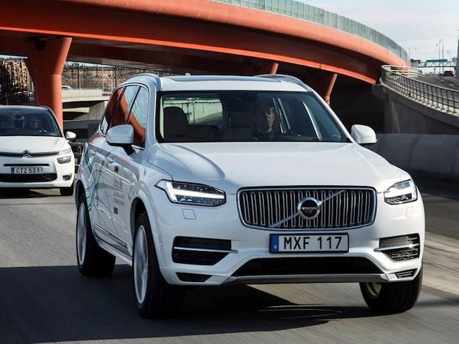 Volvo får nu grönt ljus för sina självkörande bilar.