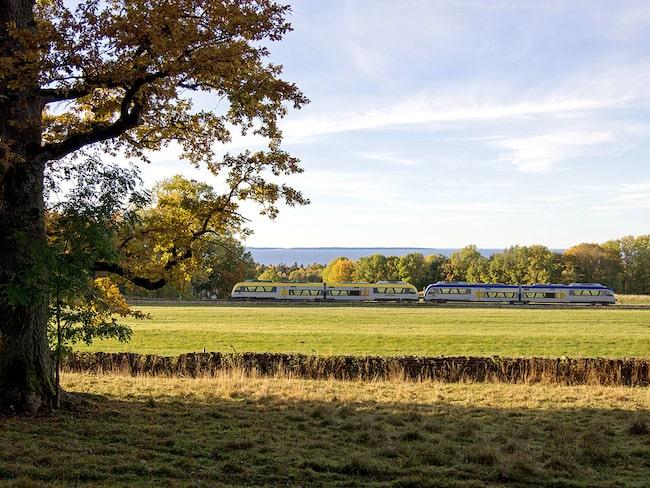 Lidköping–Mariestad över Kinekulle har röstats fram som den vackraste tågresan i Sverige av landets resenärer.