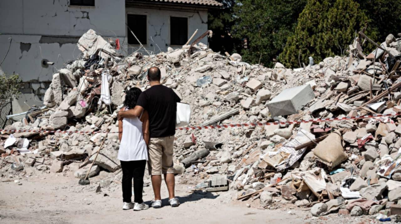 Sorg och sokande efter jordbavning