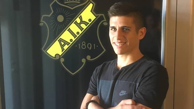Nicolas Stefanelli trivs i sin nya klubb. Foto: Oskar Månsson
