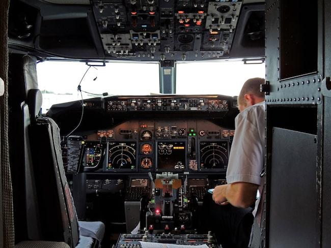 Grälet urartade när kaptenen gav andrepiloten en örfil.