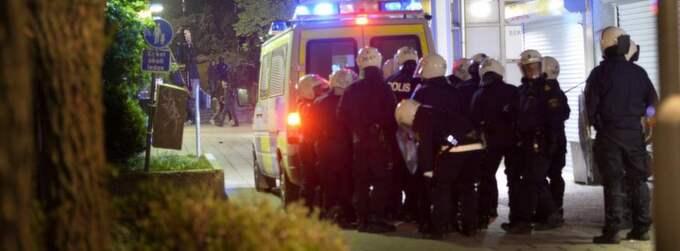 300 poliser kommer att sättas in i Husby i kväll. Foto: Roger Vikström
