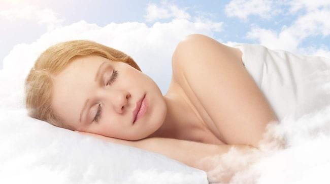 Totalt har vi 90-120 minuters REM-sömn varje natt.