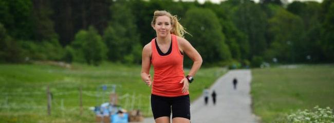 Lina Flenström tränar i marathonspåret på Djurgården.