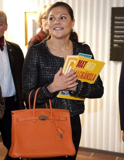 Victorias väska en guldklimp | Nöje | Expressen