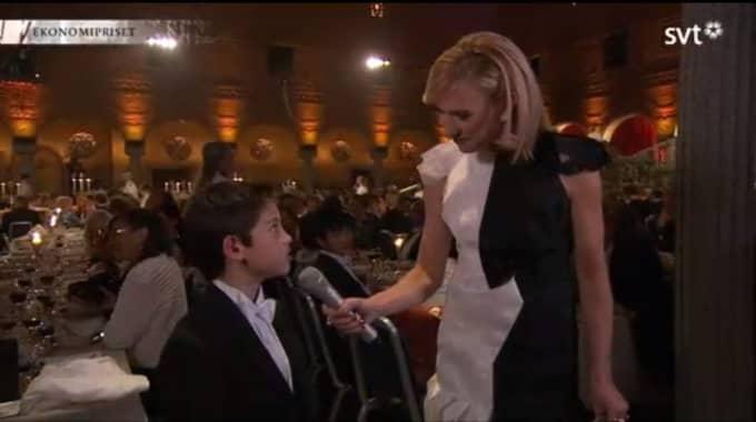 Han intervjuades i SVT under Nobelfesten Foto: SVT