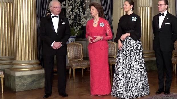 Här dansar kungen på årets största kungamiddag