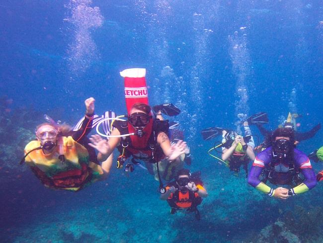 Vid Key Largo i Florida anordnades en halloweentävling under ytan.