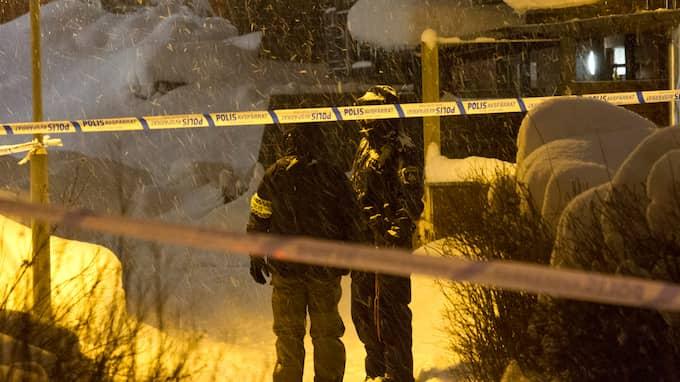 Polisen larmades till adressen i måndags kväll. Foto: TT NYHETSBYRÅN / TT NYHETSBYRÅN
