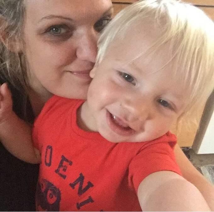 Mamma Ida Djerf med nu 1-åriga sonen Harry. Foto: Privat