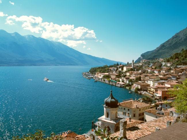 Fin vy över Limone vid Gardasjön i norra Italien.
