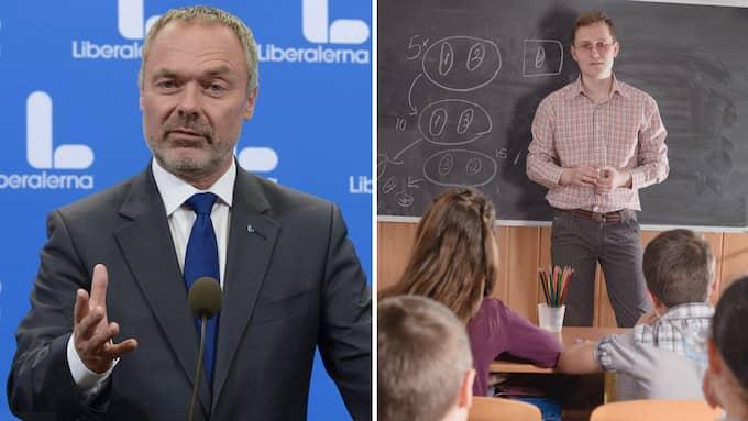 Jan Björklund får hemläxa. Foto: ANDERS WIKLUND/TT / TT NYHETSBYRÅN//PETRO FEKETA