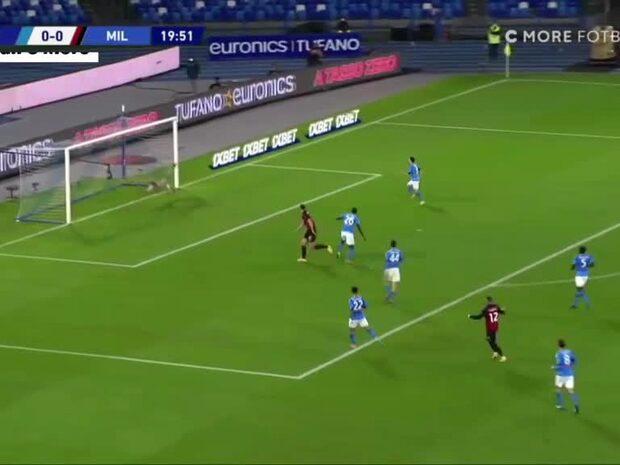 Zlatan visar upp sin målform – med en kraftfull nick