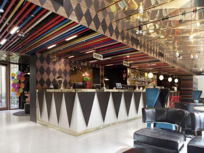 kika in p hotellet som r rena rama cirkusen allt om resor expressen allt om resor. Black Bedroom Furniture Sets. Home Design Ideas