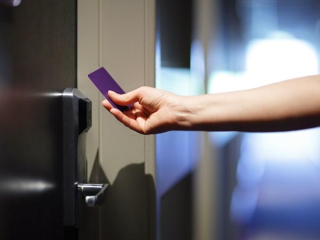 De nyckelkort som de flesta hotell nummer använder är smidiga, men samtidigt mycket sårbara, menar kriminologen.