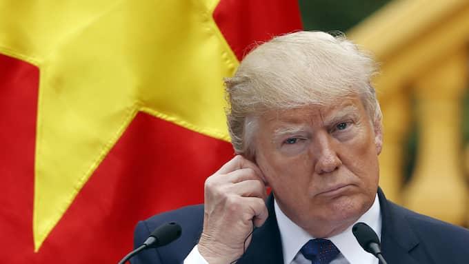 President Donald Trump vid en presskonferens i Hanoi på söndagen. Foto: KHAM / AP TT NYHETSBYRÅN