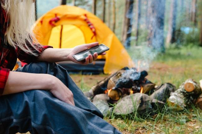 På sommaren tillbringar vi mer tid utomhus, och gärna i skog och på landet. Då kan det vara knepigt med mobiltäckning. Men använder du Niclas tips blir det aldrig mer problem!