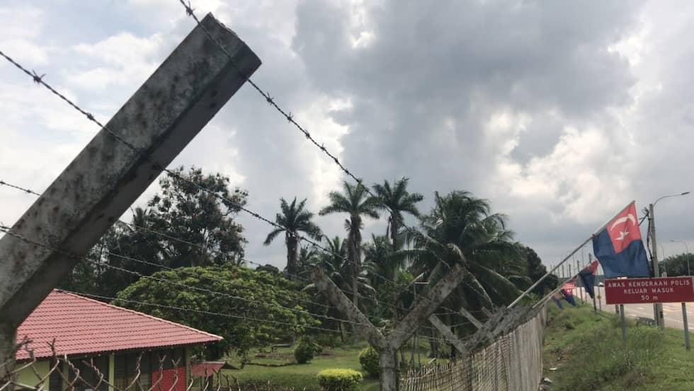Utanför Simpang Renggam, fängelset där svenske Ferry Linnbark sitter. Foto: Thomas Engström / THOMAS ENGSTRÖM EXPRESSEN