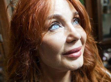 NÖJD. Marie-Louise Arvidsson, frisör på Min syster & jag  i Stockholm, har testat ögonfransnäring med positivt resultat.