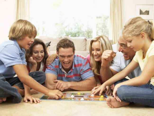 <span>Spela spel är ett roligt nöje för hela familjen. Vi har testat ett gäng nya sällskapsspel.</span>