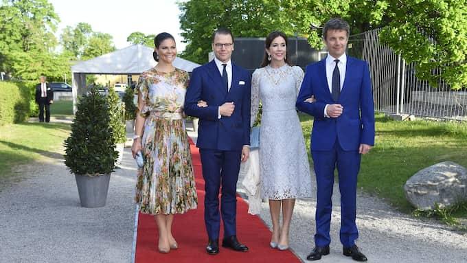 Victoria, Daniel, Mary och Frederik på gemensam middag under måndagskvällen. Foto: KARIN TÖRNBLOM / IBL BILDBYRÅ / IBL BILDBYRÅ / IBLAB