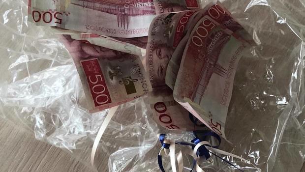 Linnea, 18, hittade flera tusen kronor i vattenpöl