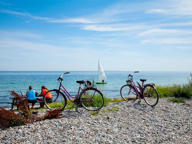 Det är populärt att cykla på Samsö. Backarna är få och utsikten betagande.
