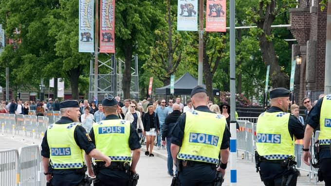 Poliser i samband med en konsert i Stockholm. Foto: Henrik Isaksson/IBL
