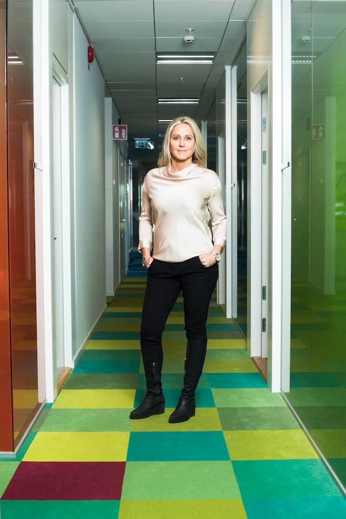 """Enligt Christina Söderberg på Compricer kan det vara mer värt att ta ett lån för att betala skatt efter en bostadsförsäljning än att söka uppskov. """"Man måste titta på varje specifikt fall men om man inte har jättehöga lån och kan betala tillbaka är det bästa alternativet just nu"""", säger hon. Foto: Compricer"""