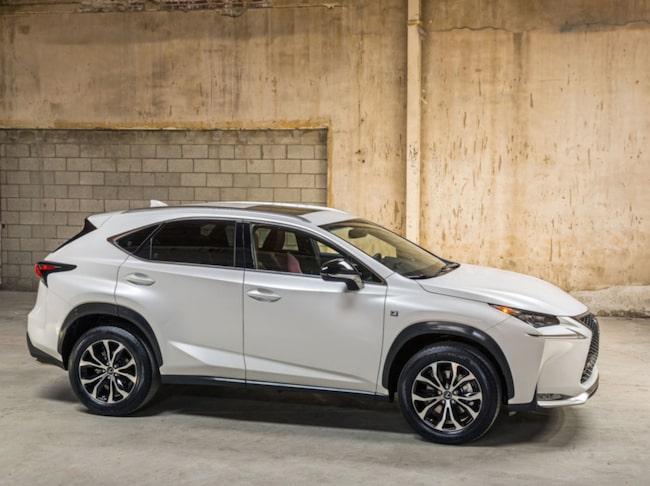 På första plats: Lexus säljer inte många bilar i Sverige, men ägarna är nöjda.