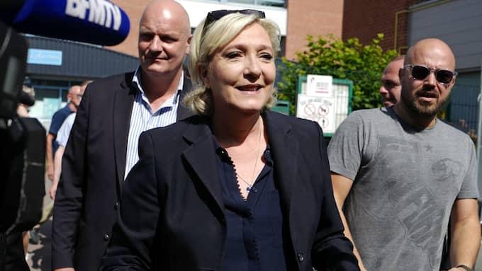 Marine Le Pen hoppades på att bli president, nu kan hon bli sitt partis enda parlamentsledamot i stället. Foto: MICHEL SPINGLER / AP/ TT
