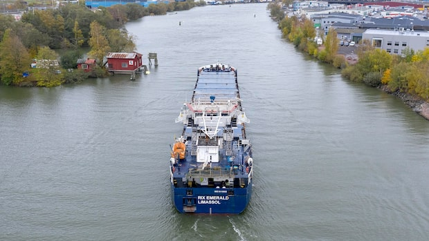 Skenande fartyget åkte vidare utan tillåtelse