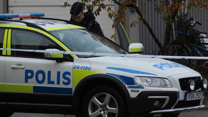 En polisbostad i Västerås besköts under natten till lördagen. Foto: ALBIN EMET/LÄSARBILD