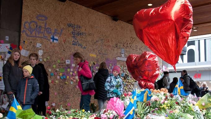 Efter terrordådet på Drottninggatan. Foto: HENRIK ISAKSSON/IBL