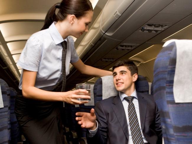 <span>Börja pimpla alkohol så fort du kan – då blir det lättare att prata med grannen.</span>