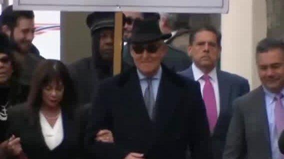 Donald Trumps nära rådgivare Roger Stone dömd till fängelse