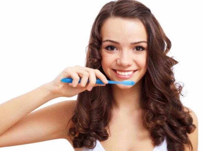 1. Dålig vanor när det gäller tandborstning